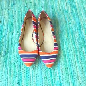 C. Wonder Multicolored Pointy Ballet Flat
